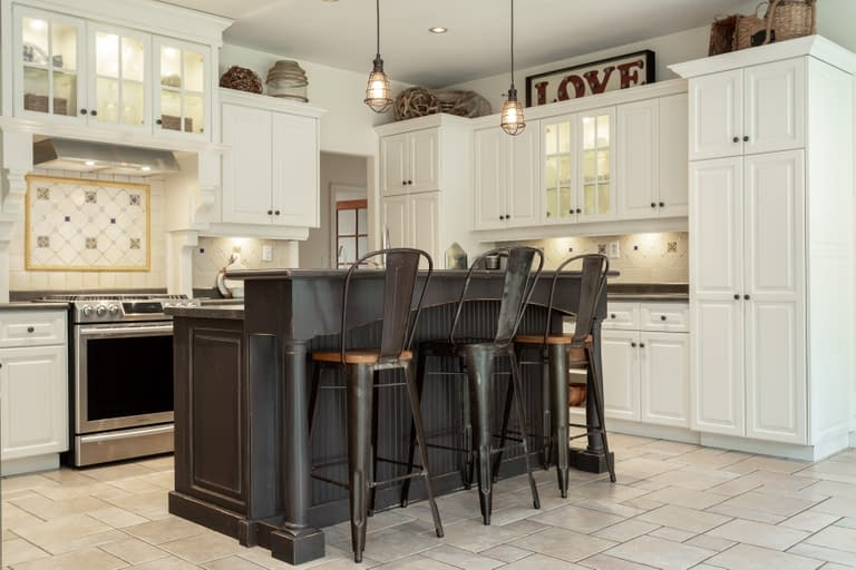A modern country kitchen with breakfast bar for recent listings